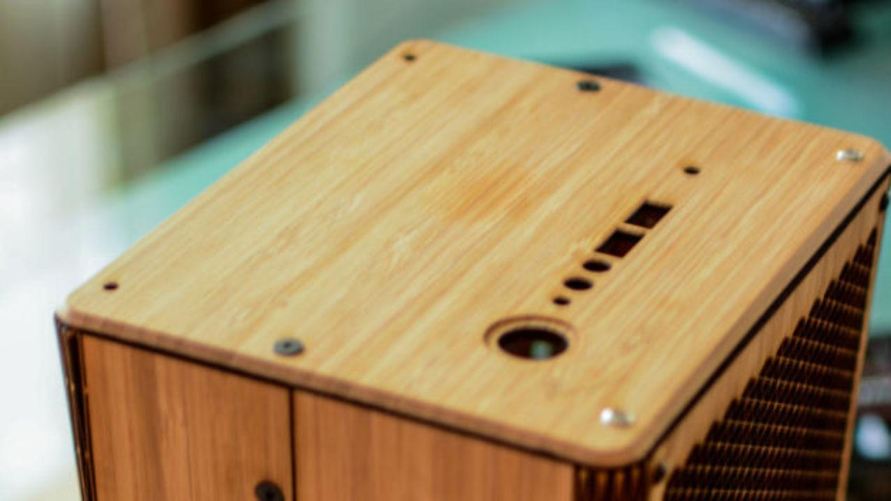 木箱でできた、美しく可愛らしいPC