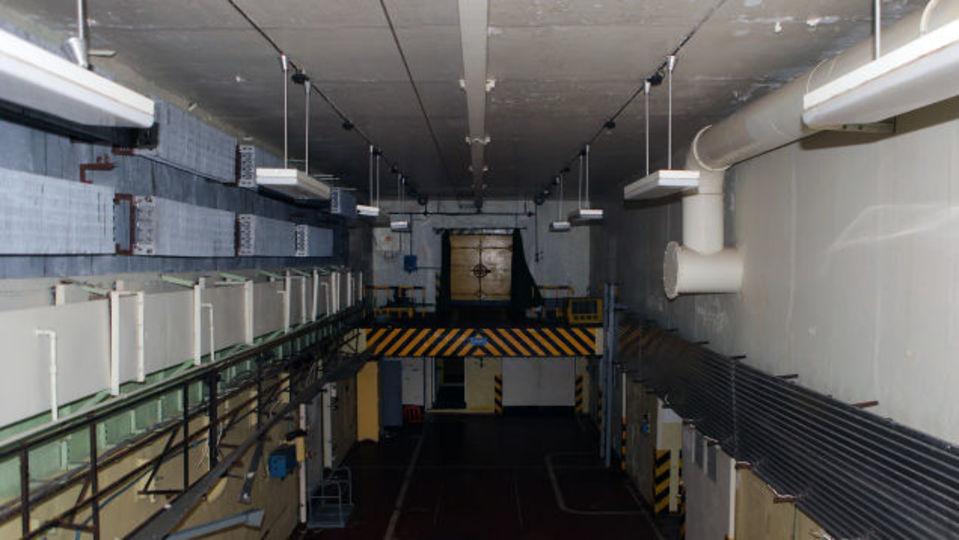 旧ソ連軍の核兵器貯蔵庫に潜入してみました