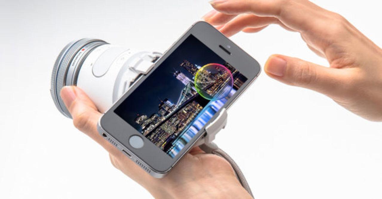 日本限定発売のオリンパス製「Air A01」は、スマホの写真撮影を楽しくさせる工夫がいっぱい