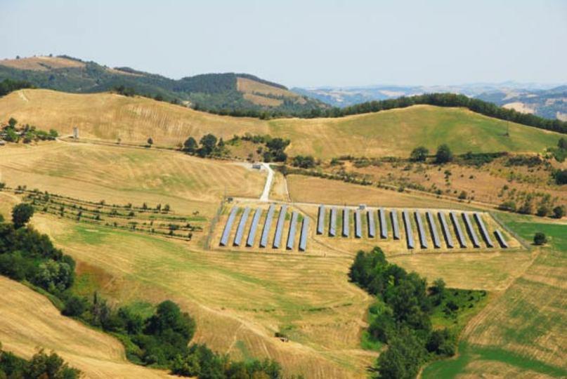 アップル、太陽光発電に巨額投資