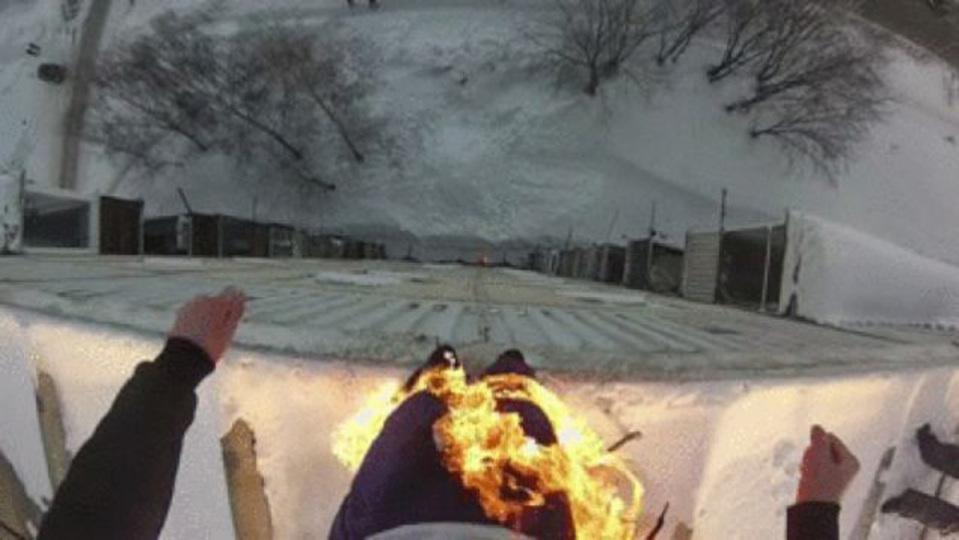 10階建の屋上から焼身ダイブしたスタントマンが見た光景