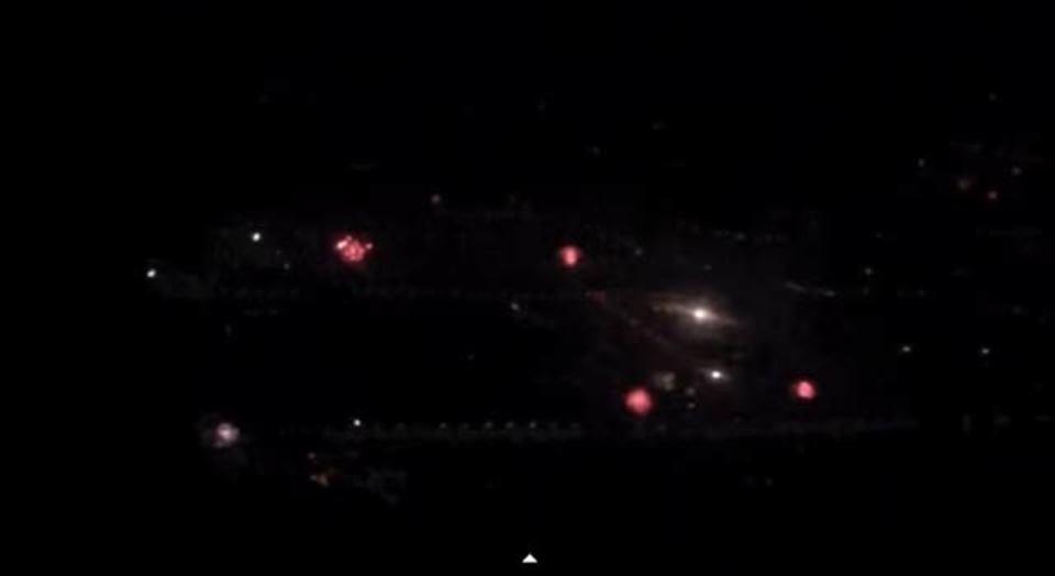 春節の中国上空から見た、まるで内紛な街中に広がる爆竹&花火