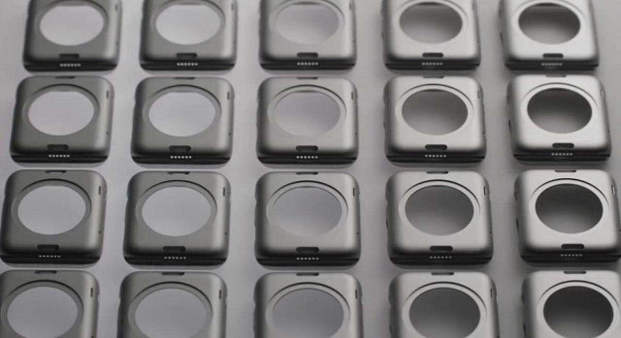 なんだこれ? Apple Watchに6つの謎の穴