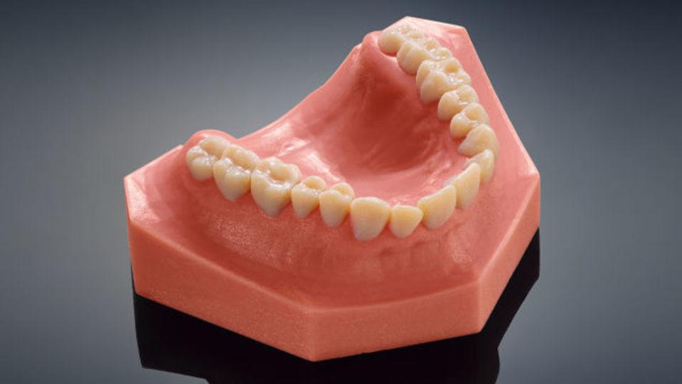 3Dプリンターで作った「歯」がリアルすぎてちょっと怖いです