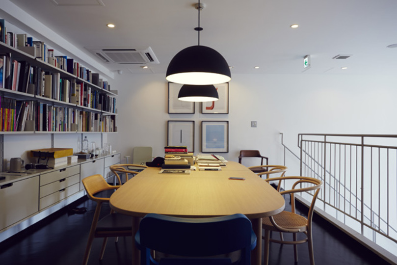 "INFOBARに見る、""デザインがうまれる空間"""
