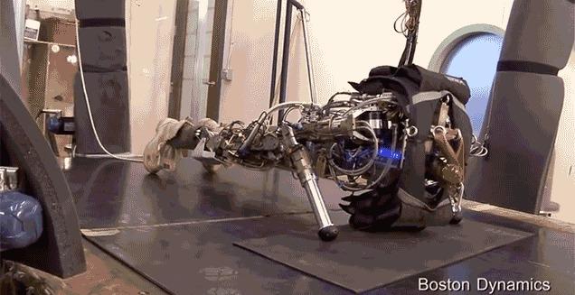 Boston Dynamicsのロボットに欠けていたのは、80年代BGMかもしれない