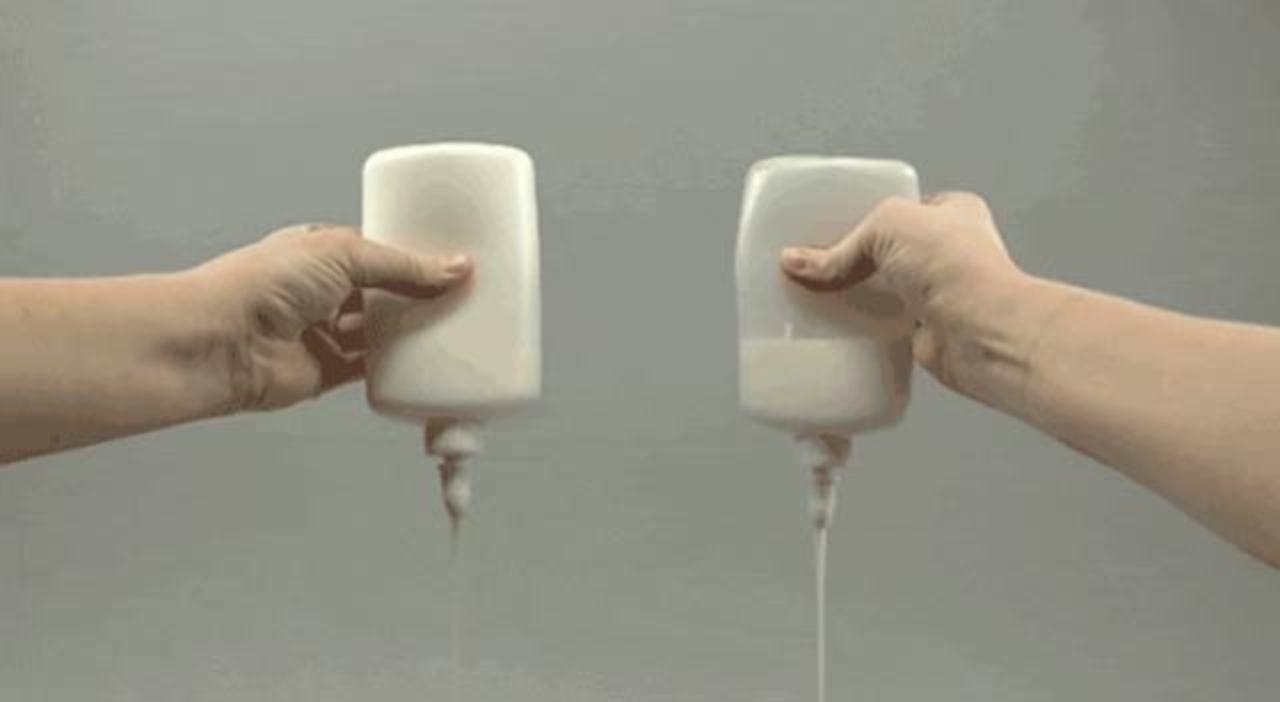特殊コーティングでくっつかない。MIT発あのすごい容器が製品化