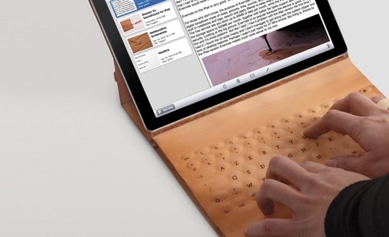 タトゥーで回路を彫り込んだ革製iPadケース