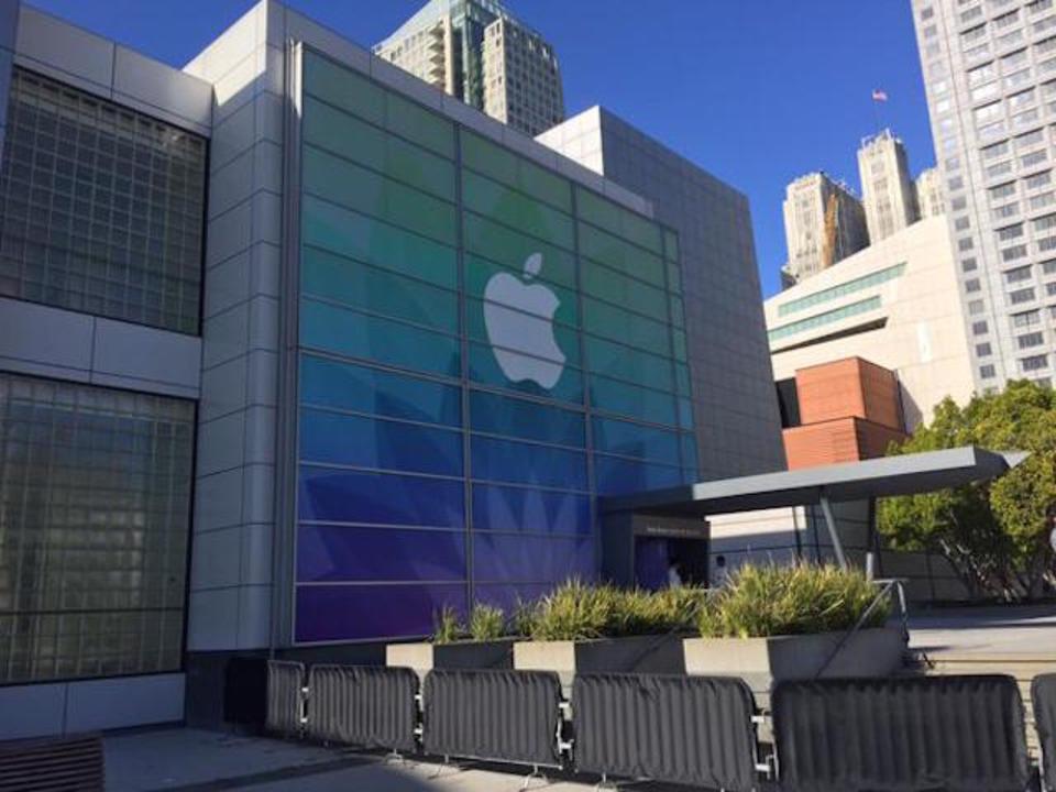 10日深夜に迫るアップル新製品発表会、会場の様子が徐々に見えてきた!