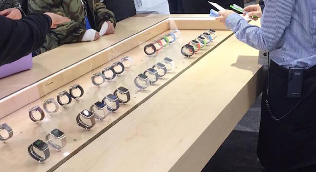 ソフトバンク表参道:試着&予約開始! 1人3本30分の試着ができます #AppleWatch #ギズモード
