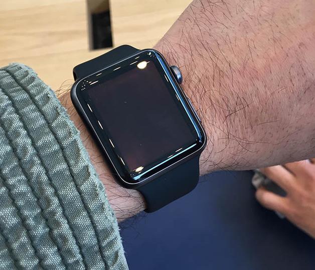 Apple Watchのベルト取り外しはとっても簡単 #AppleWatch #ギズモード
