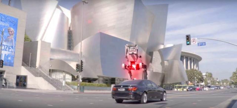 LAの街、帝国軍に占拠される