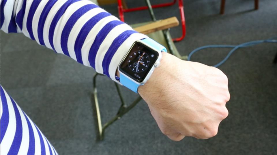 Apple Watchは手首を上げたらスリープ解除されます #AppleWatch
