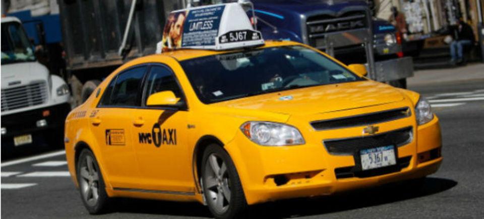 自動運転相乗りタクシーで、都会の車の9割が不要に?