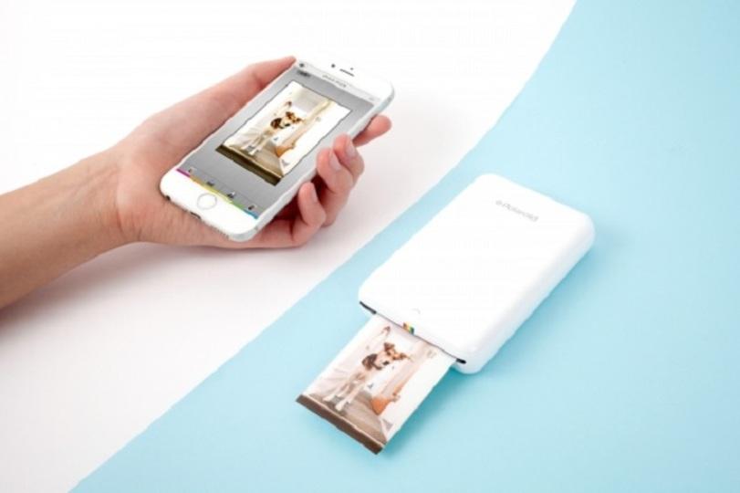 撮ってパッと印刷できるポラロイドのモバイルプリンタ
