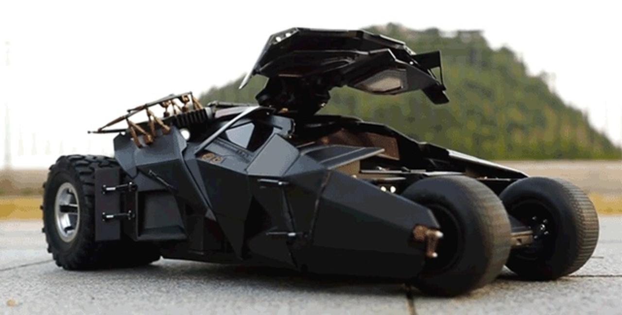 車載カメラで気分はバットマン! 飾ってよし遊んでよしの豪華過ぎRCタンブラー