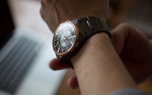 スマートウォッチづいている今だから問いたい、アナログな腕時計を身に付ける意味とは?