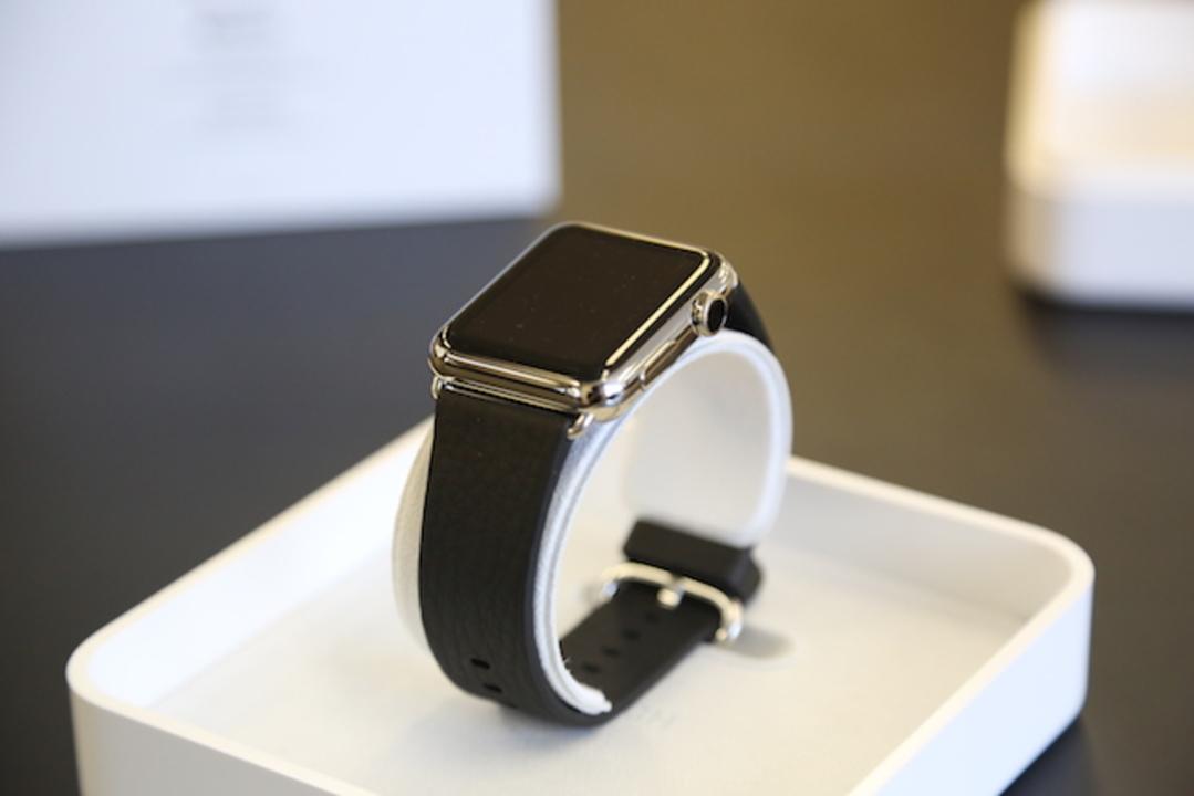 思わず興奮止まらず! 「Apple Watch」開封の儀