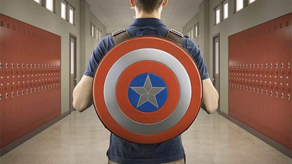 学校でヒーローになろう! キャプテン・アメリカのバックパック