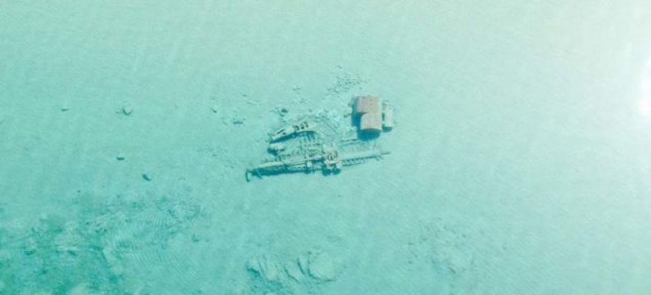 今の時期にしか見られない、ミシガン湖に沈んだ船の画像