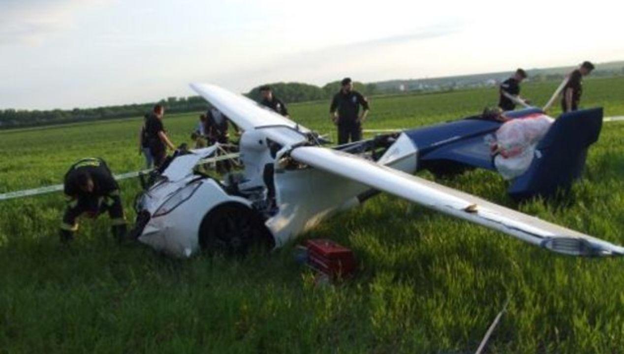 空飛ぶ車、テスト飛行で墜落。「2017年発売」はどうなる?