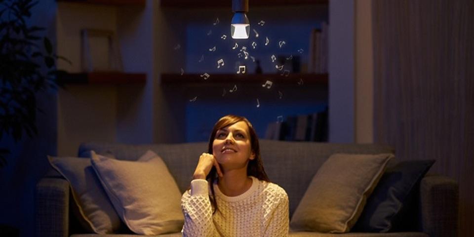 ソニーから、スマホ連動のLED電球スピーカーという新提案