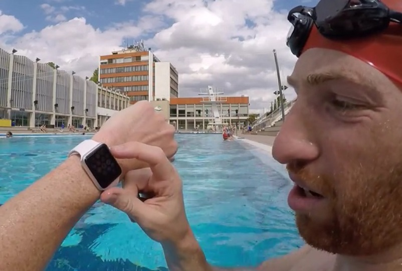Apple Watch、1200mの水泳と10mからのダイビングに耐える
