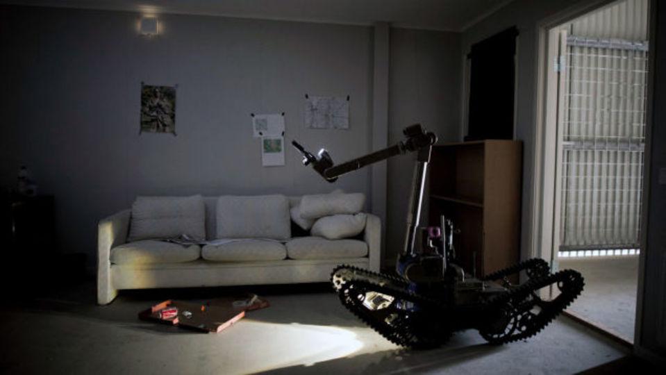スウェーデン、警察と軍の爆発物処理訓練にロボットが参加