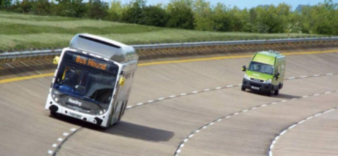 ウンチで走るバス、最高速度を記録
