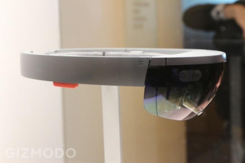 マイクロソフトの近未来ヘッドセット「HoloLens」の外観レビュー
