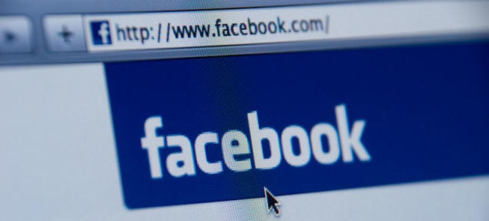 Facebookの表示アルゴリズム、今度は「時間」に
