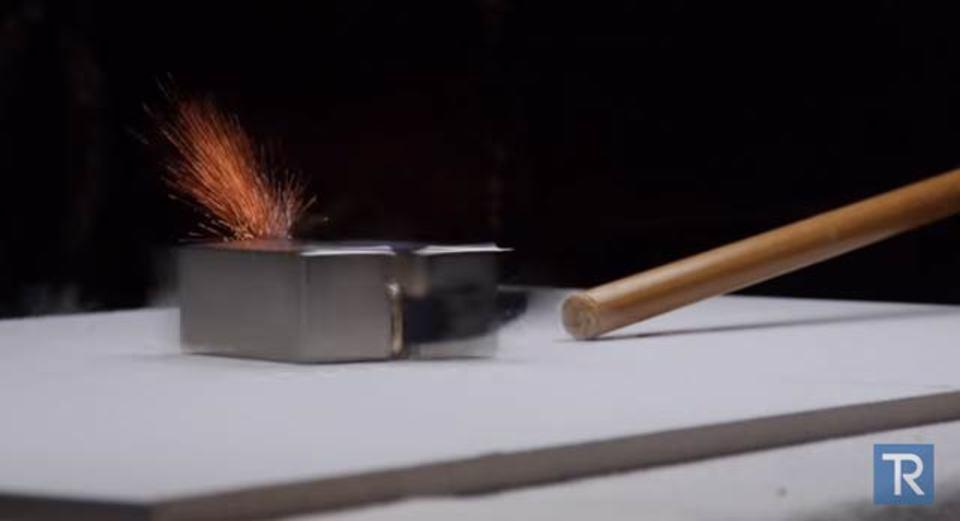 100万円超えのApple Watchゴールド、磁石の力でぶっ壊れる