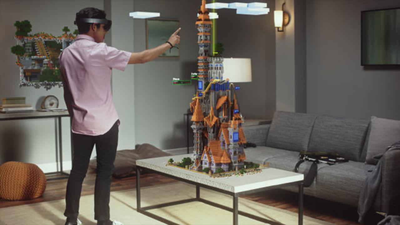 HoloLensでマインクラフトをやってみた。神様気分が味わえます