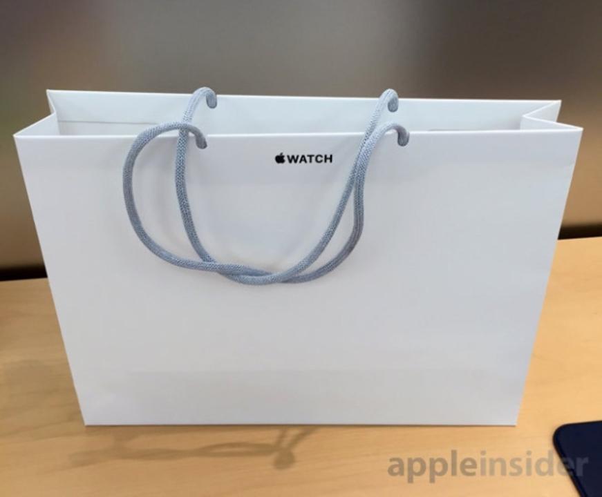 Apple Watchを直営店で買うと「あの紙袋」が貰えるっぽい