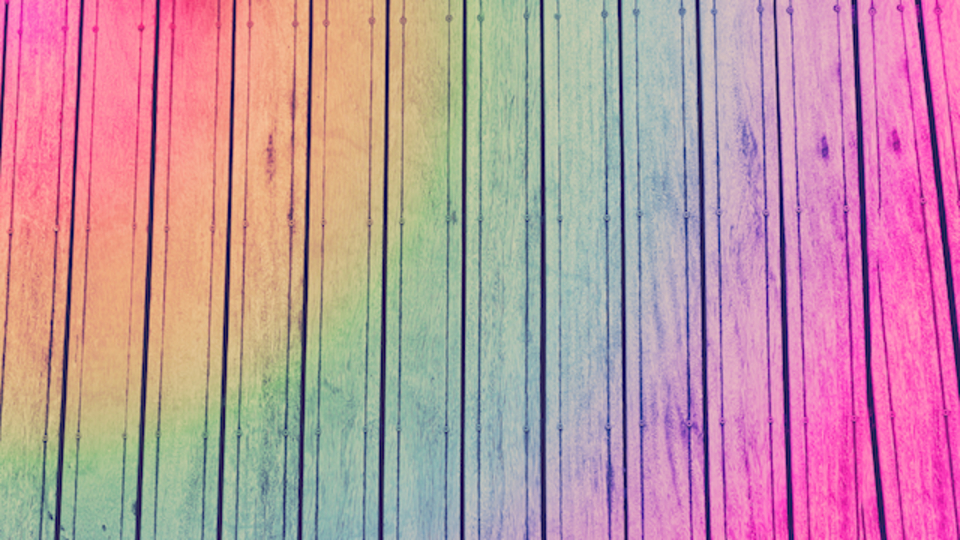 ロンドン橋が虹色に。日常を楽しくするムーブメント