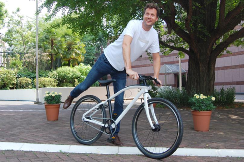 オランダ生まれの自転車ブランドVANMOOFが日本限定モデルを披露