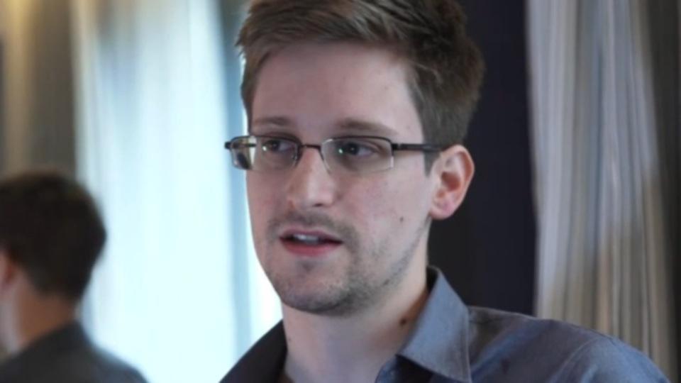 元米司法長官「スノーデンがアメリカに帰ってこれる可能性は存在する」