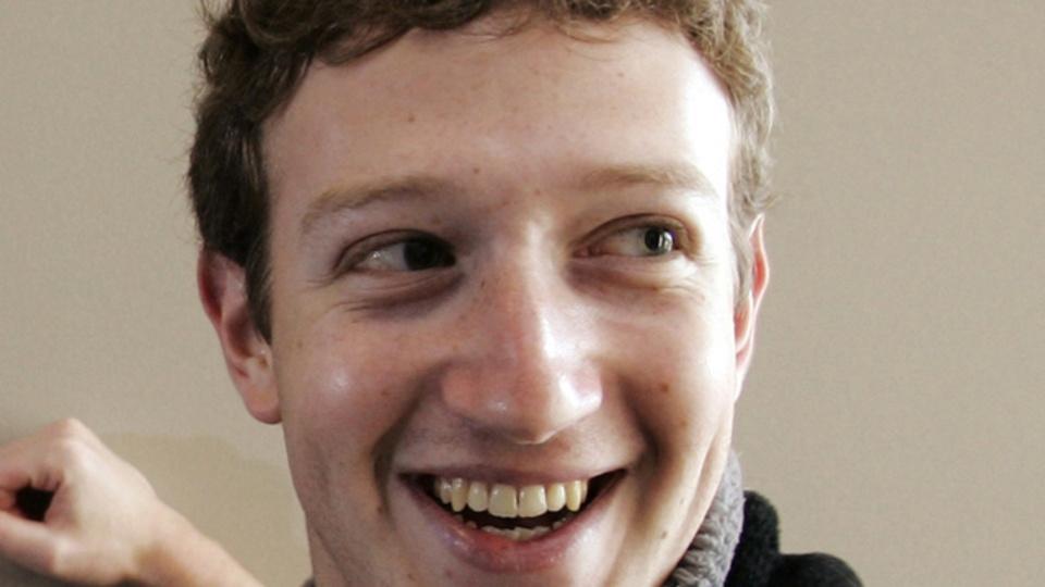 マーク・ザッカーバーグがユーザーやシュワちゃんに語るフェイスブックの未来「頭のなかをそのまま友達とシェア」