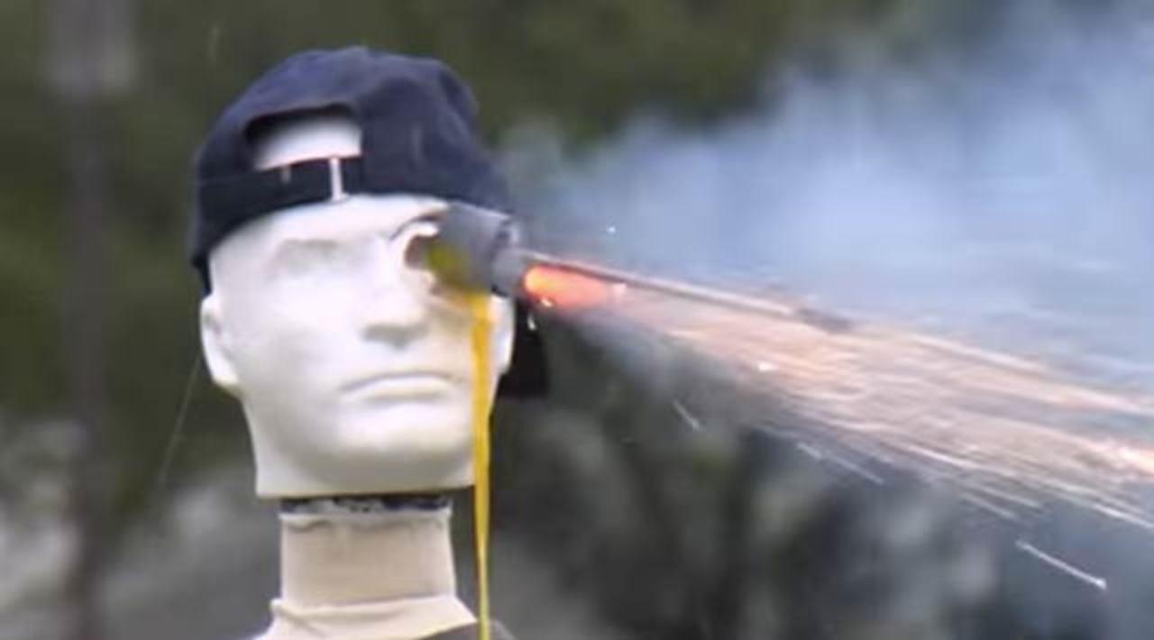 米政府が制作した「花火の扱い方」動画がものすごいホラー