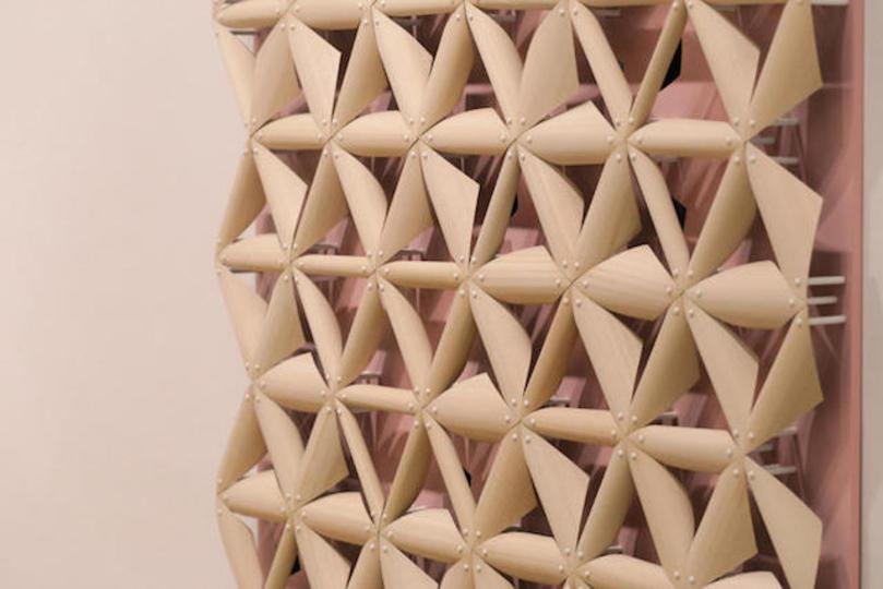 雨が降ると形が変わる! 魔法のような建築素材をロンドンの学生が発明