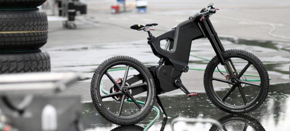 驚異のスピード! 最高速度70kmで走る電動自転車に米gizmodo記者が挑戦 ギズモード・ジャパン