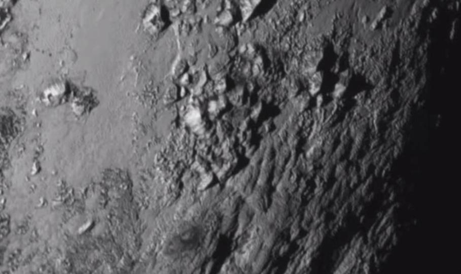 初公開。冥王星の表面はこんな感じでした