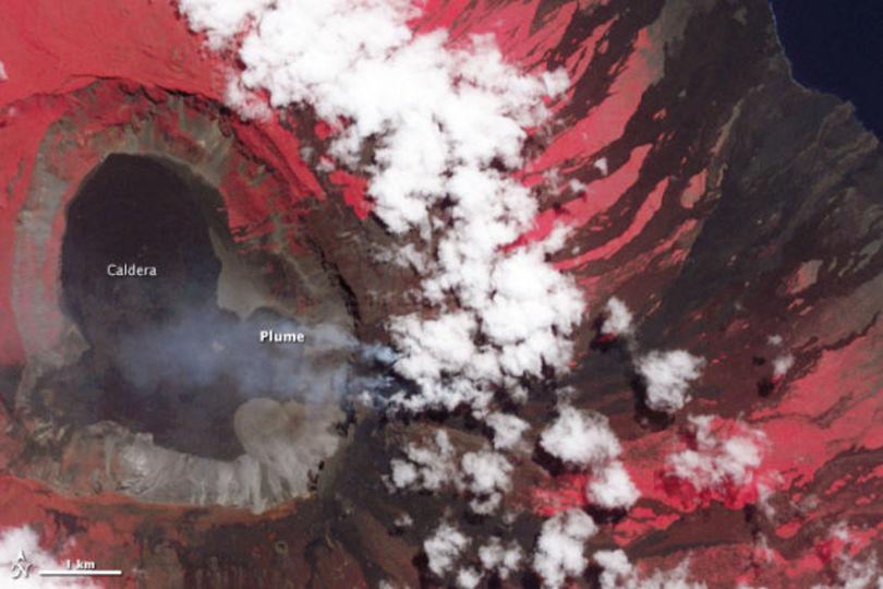 NASA撮影のガラパゴスの火山写真がかなり地獄っぽい