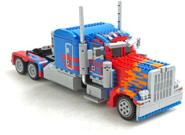 150721transformablelegotransformer02.jpg