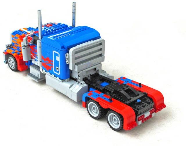 150721transformablelegotransformer03.jpg
