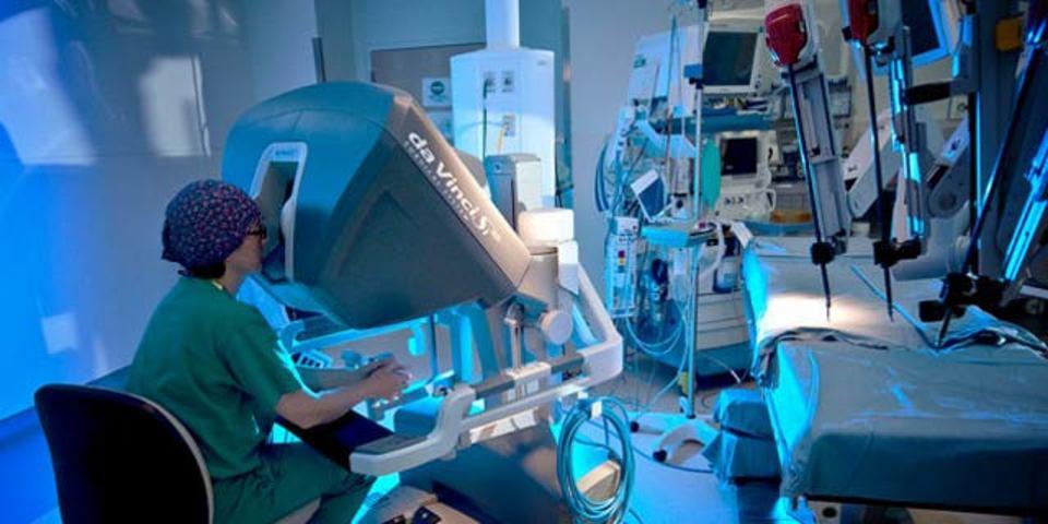 米国でのロボット手術関連の死亡者数、2000年以来144件に