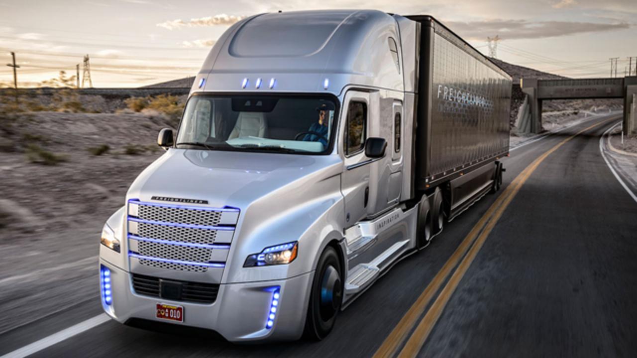 ダイムラーの自動運転トラック、年内にもアウトバーンでテスト走行