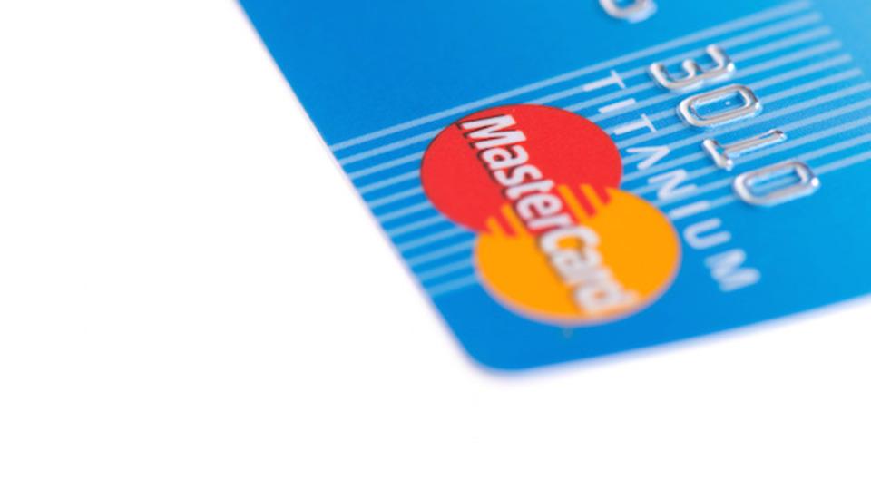 これがホントの顔パス。MasterCardがセルフィーで支払いへ