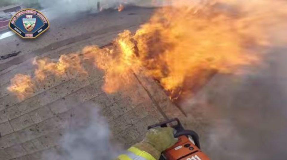 火事と戦うってどんな感じ? 消防士視点の動画で体験しよう