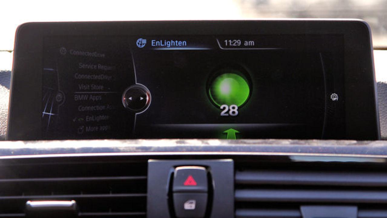 BMWに信号待ちイライラ解消アプリ「EnLighten」を搭載